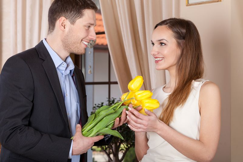 Как подарить цветы